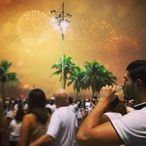 A imagem fala por si. #brazil #riodejaneiro #copacabana #2017 #pictureoftheday